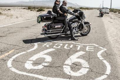 Com nossas Harleys  no Velho Oeste!