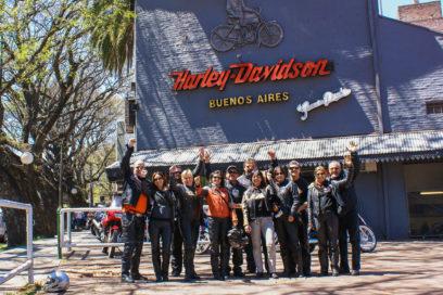 Entrando em Buenos Aires de Harley Davidson