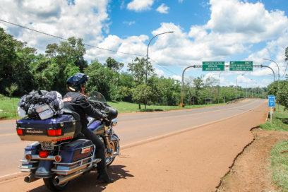 Entrando de moto Harley na Argentina rumo ao Chile