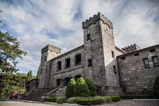 Chateau La Cave