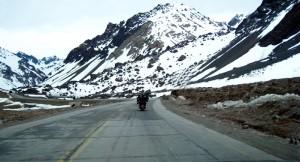 Neve nas encostas da Cordilheira dos Andes