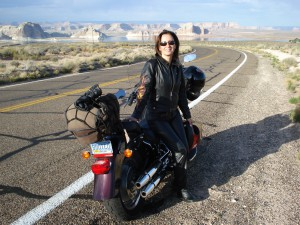 A Psicóloga Maria Imaculada, que hoje pilota, completou 20 anos de garupa e viajou pela Rota 66, nos EUA.