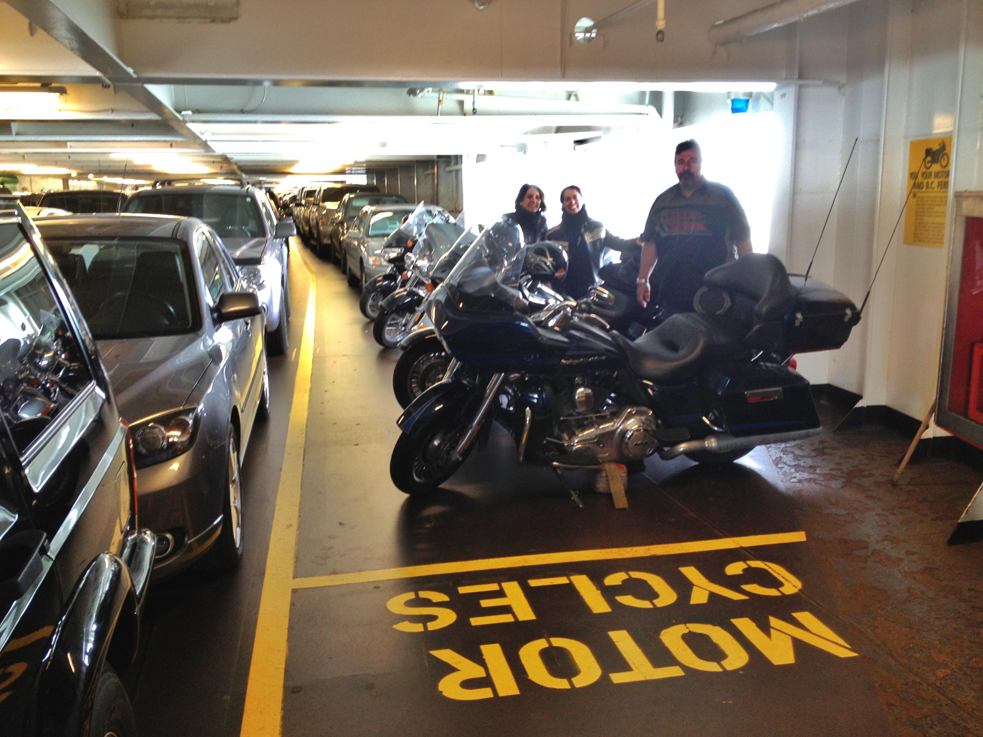 Motos embarcadas no Ferry Boat