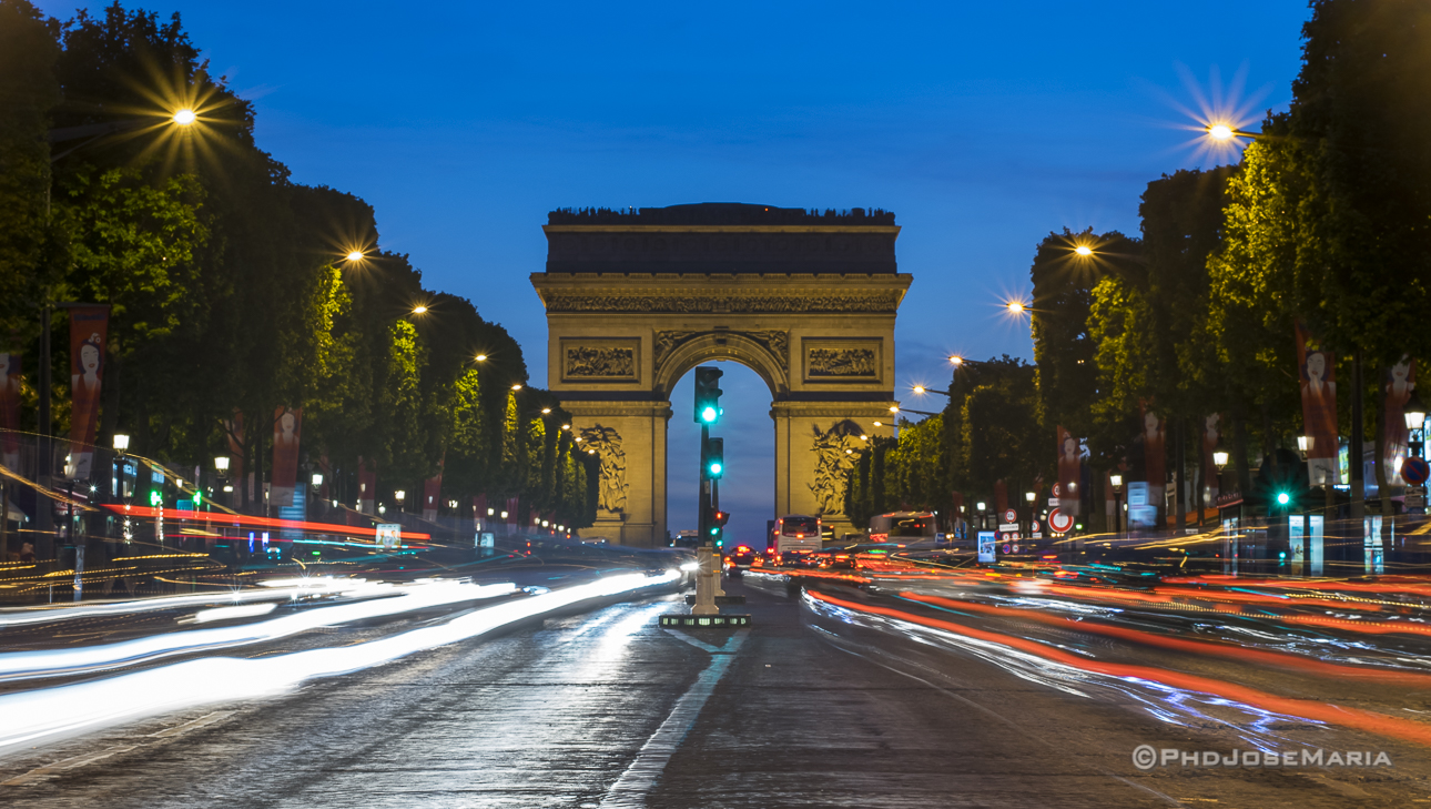 Champs Elyses à noite