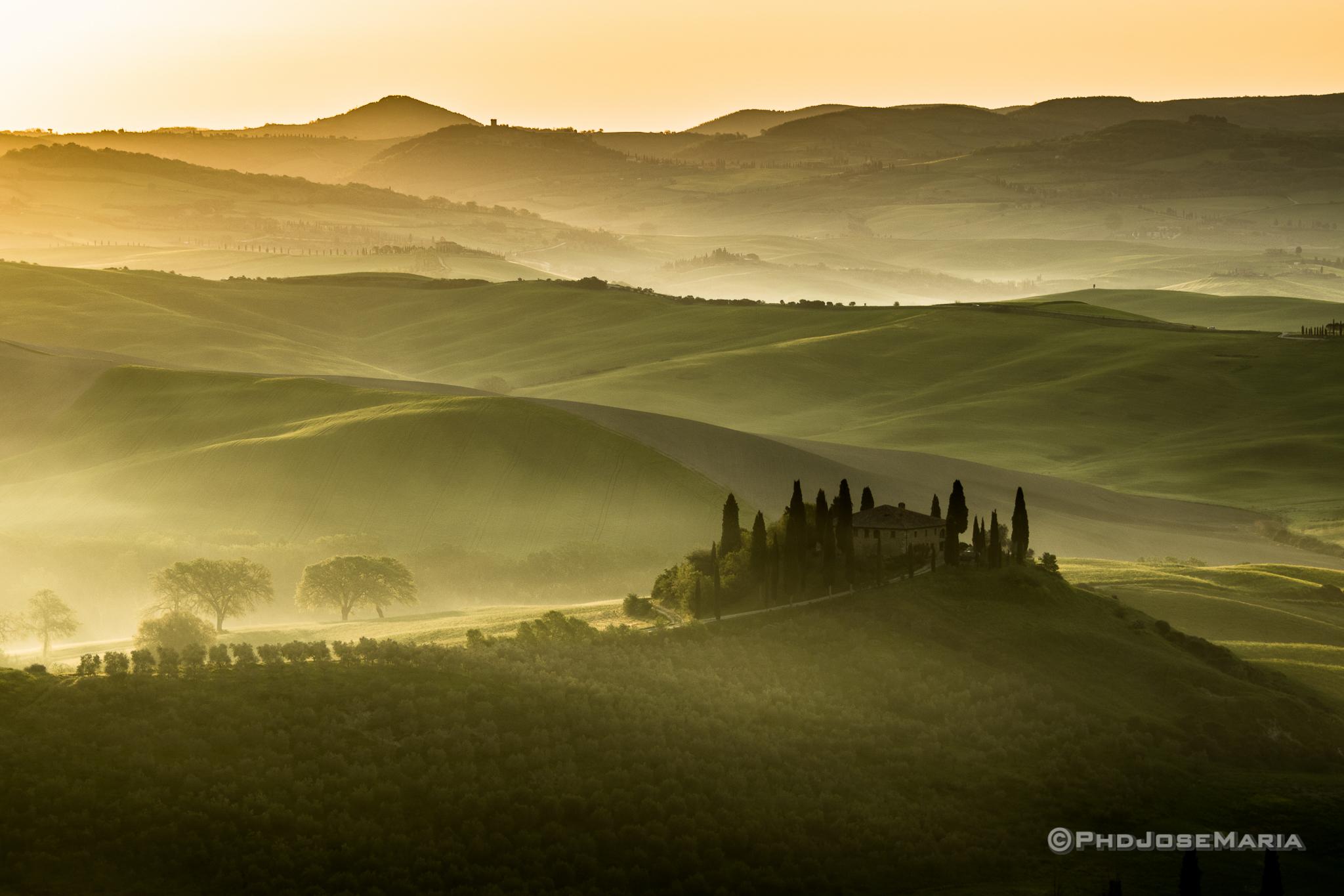 Os campos e o charme da Toscana